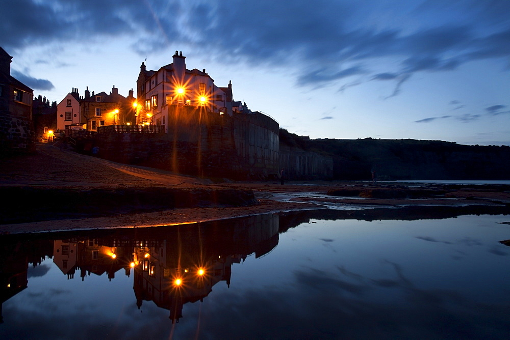 Robin Hoods Bay at dusk, Yorkshire, England, United Kingdom, Europe - 845-1002