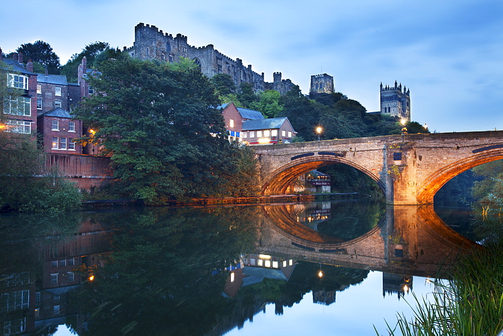 Durham Castle and Cathedral above Framwellgate Bridge, Durham, County Durham, England, United Kingdom, Europe - 845-1018