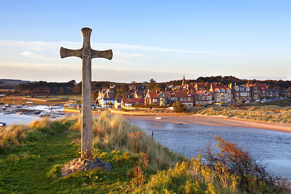 St. Cuthbert's Cross on Church Hill and Alnmouth at sunset, Northumberland, England, United Kingdom, Europe - 845-1022