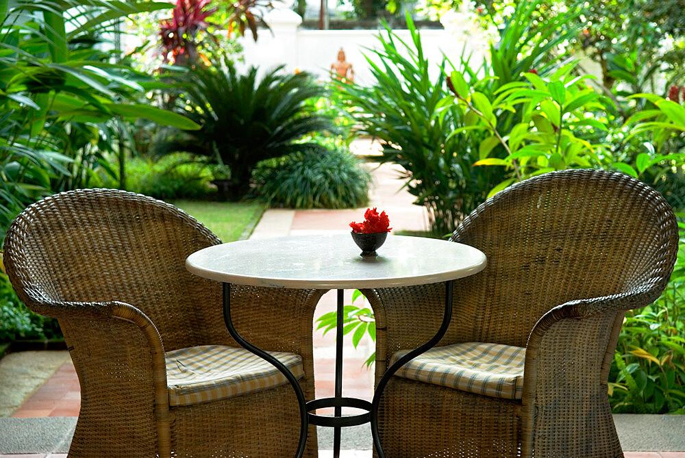 Terrace table and chairs in hotel, Kochi (Cochin), Kerala, India, Asia - 846-1158