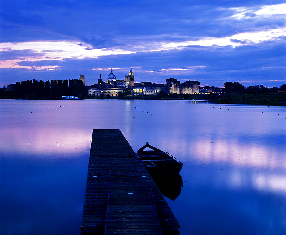 Dusk over the old town and Lake Inferiore, Mantua, Lombardy, Italy, Europe - 846-1275