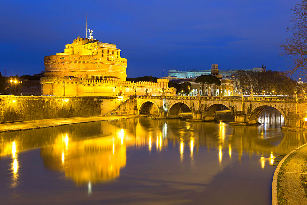 Castel Sant'Angelo and Ponte Sant'Angelo on the River Tiber at night, Rome, Lazio, Italy, Europe