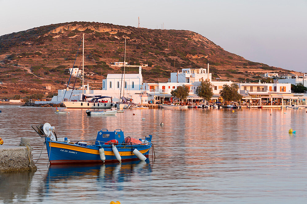 Fishing boat in harbour with town behind, Pollonia, Milos, Cyclades, Aegean Sea, Greek Islands, Greece, Europe - 846-2904