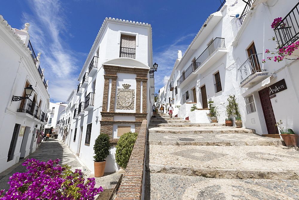Narrow streets with whitewashed Andalucian houses, Frigiliana, Malaga Province, Costa del Sol, Andalucia, Spain, Europe