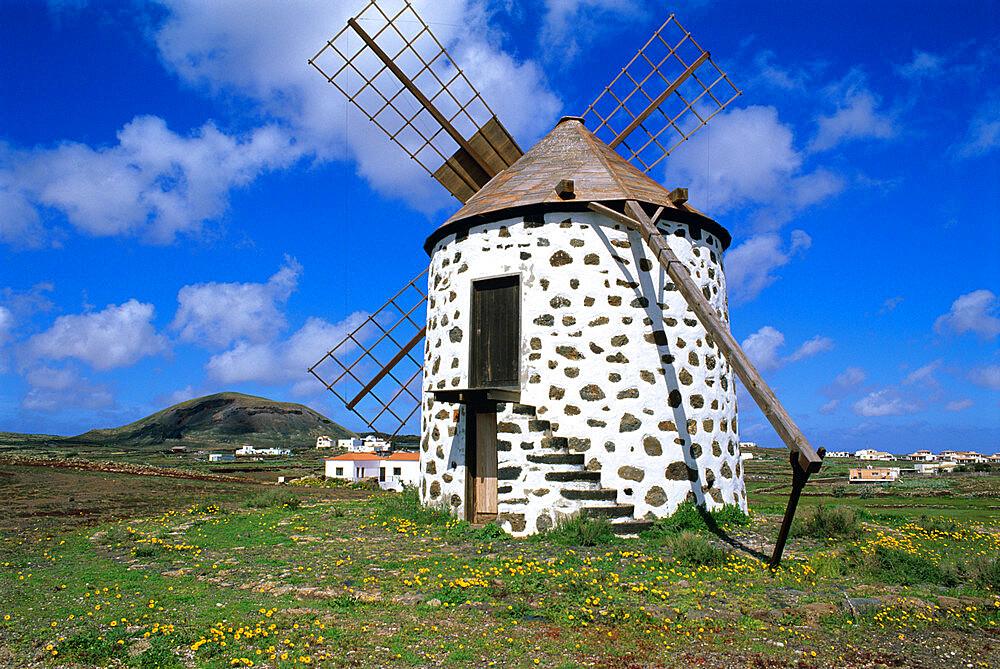 Windmill set in volcanic landscape, Villaverde, Fuerteventura, Canary Islands, Spain, Europe - 846-378