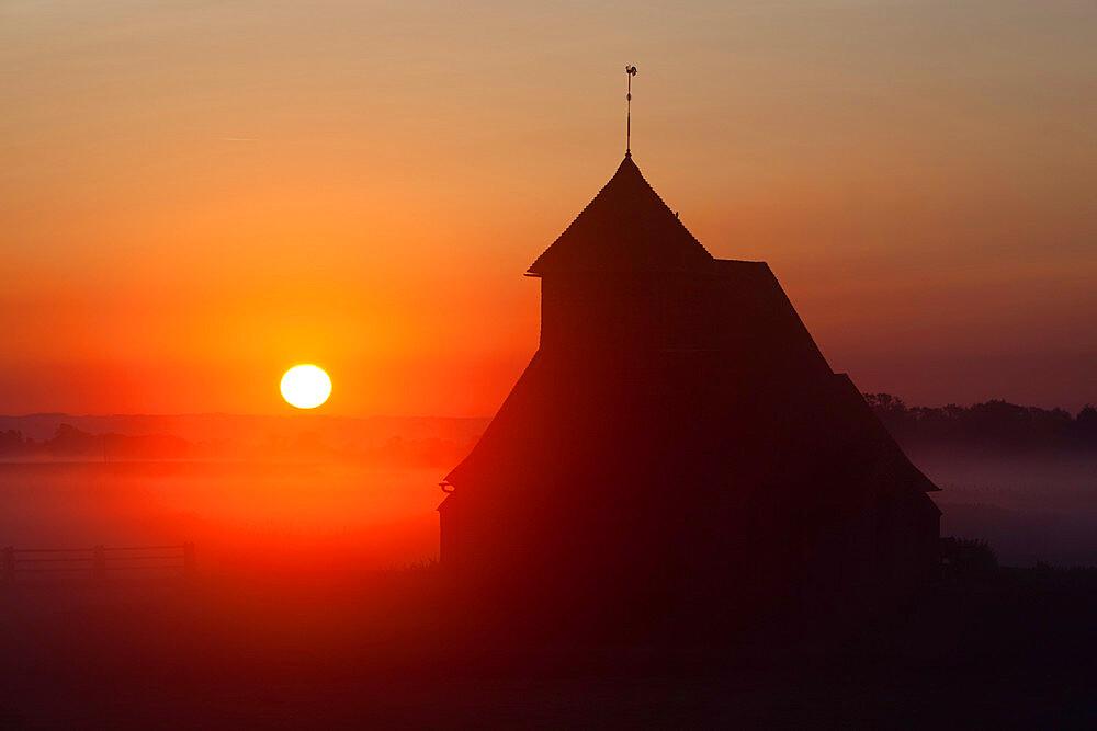 Fairfield church at sunrise, Romney Marsh, near Rye, Kent, England, United Kingdom, Europe - 846-53