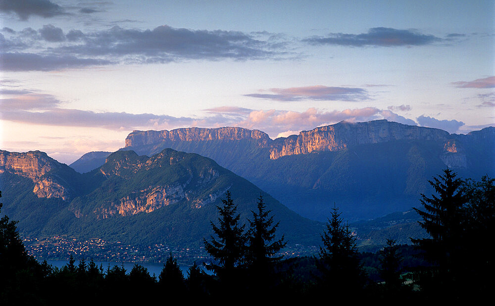Sunset over mountains above Lake Annecy, Lake Annecy, Rhone Alpes, France, Europe - 846-536