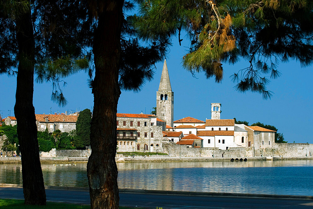 View over old town and Basilica of Euphrasius, UNESCO World Heritage Site, Porec, Istria, Croatia, Adriatic, Europe - 846-658