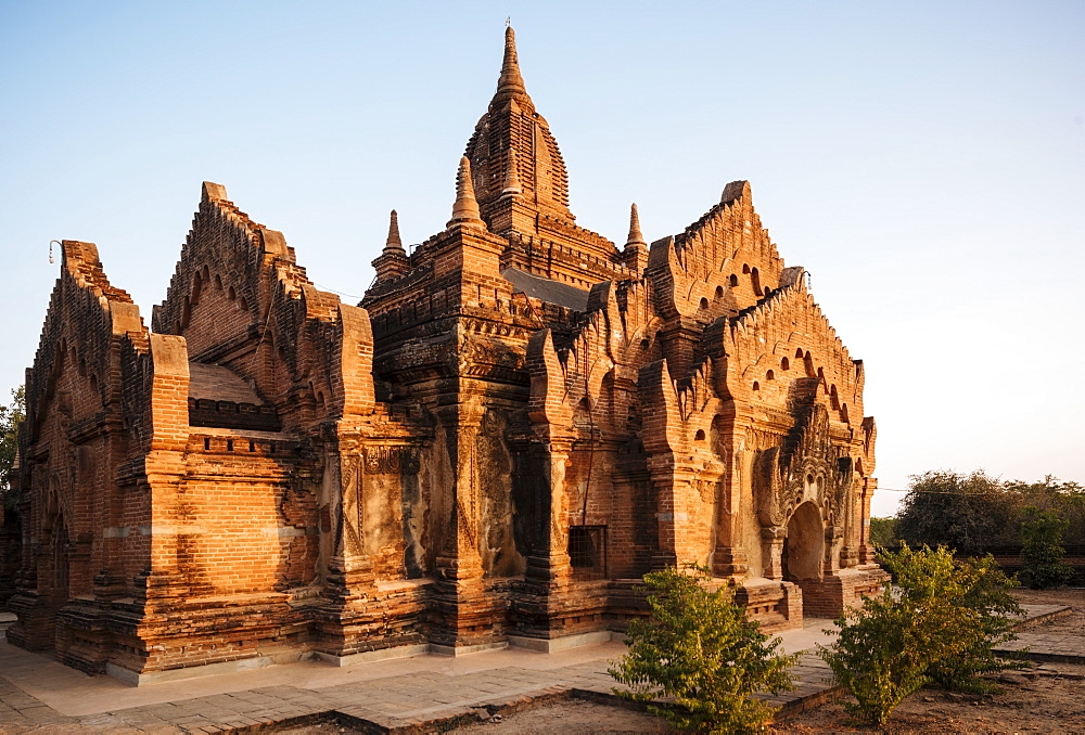 Deserted Temple at dusk, Bagan (Pagan), Mandalay Region, Myanmar (Burma), Asia