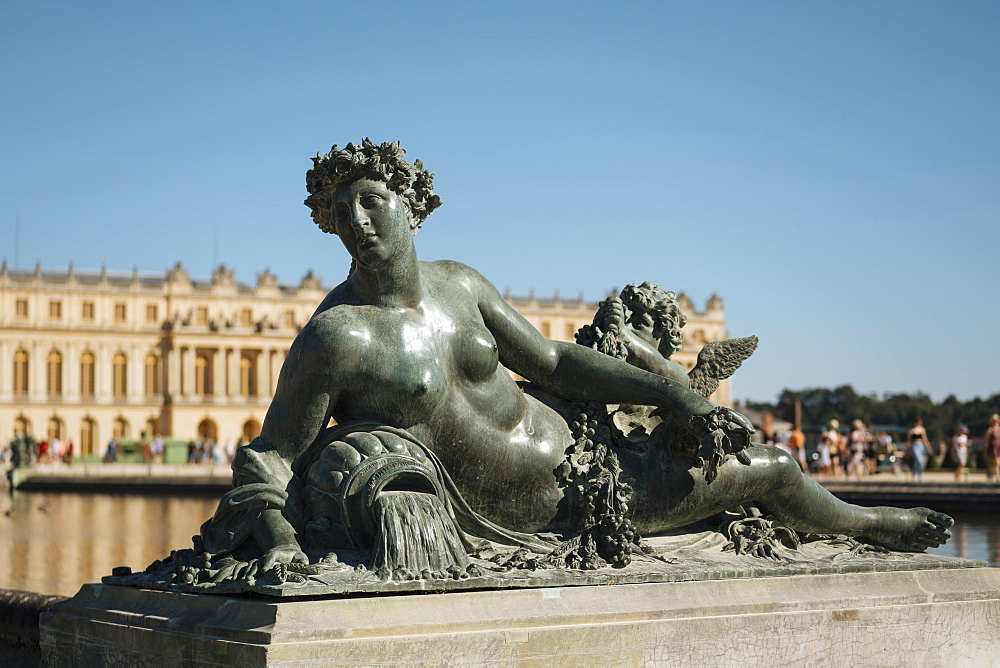 Marble Statue, Gardens, Palace of Versailles, Paris, v?le-de-France, France, Europe - 848-2183