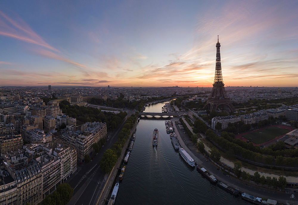 Eiffel Tower and River Seine at dawn, Paris, v?le-de-France, France, Europe - 848-2192
