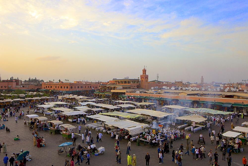 Marrakesh at dusk, Djemaa el-Fna, Marrakech, Morocco, North Africa, Africa  - 851-485