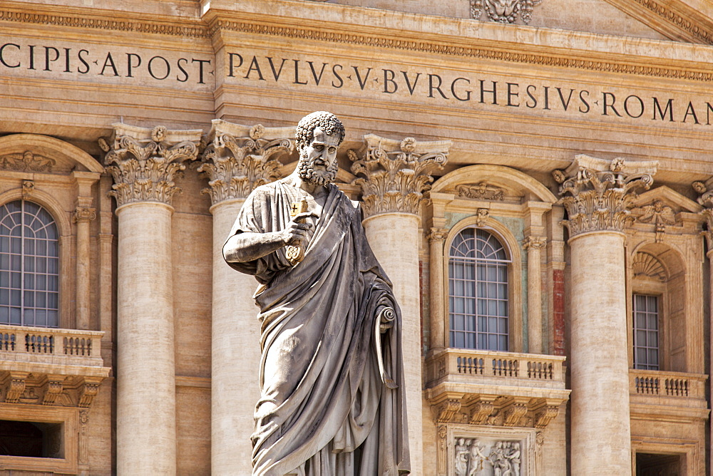 Statue of St. Peter, St. Peter's Piazza, Vatican, Rome, Lazio, Italy, Europe - 851-551