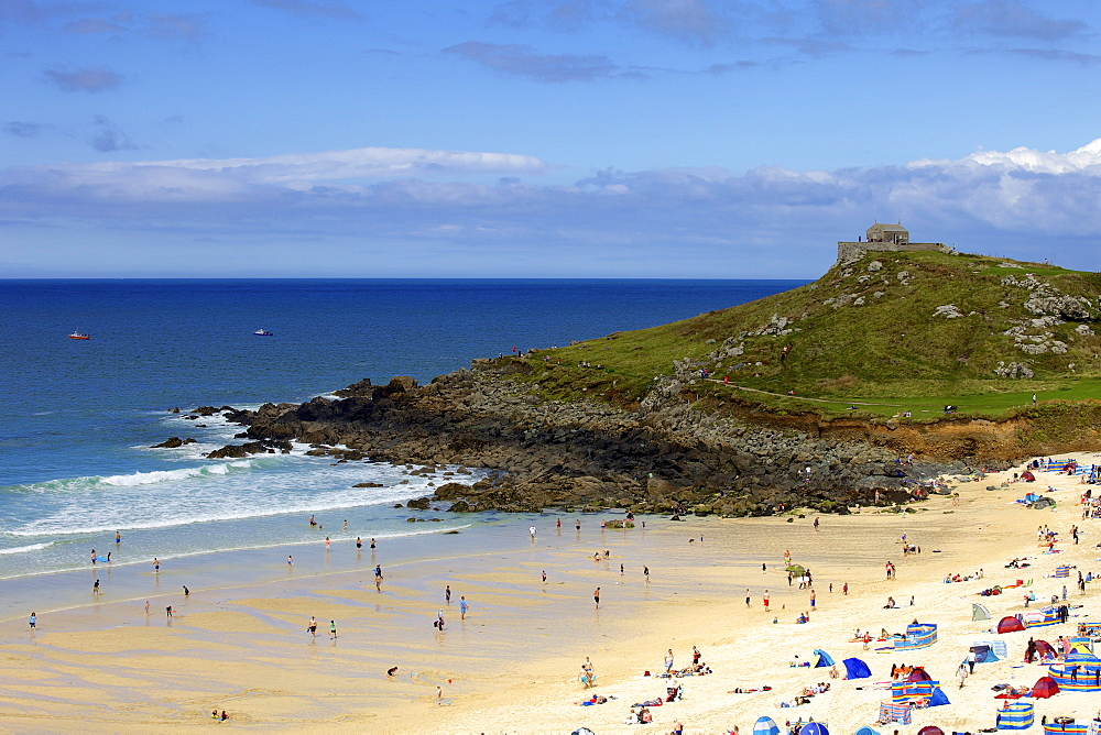 Overlooking Porthmeor Beach on a sunny summer day in St. Ives, Cornwall, England, United Kingdom, Europe - 851-561