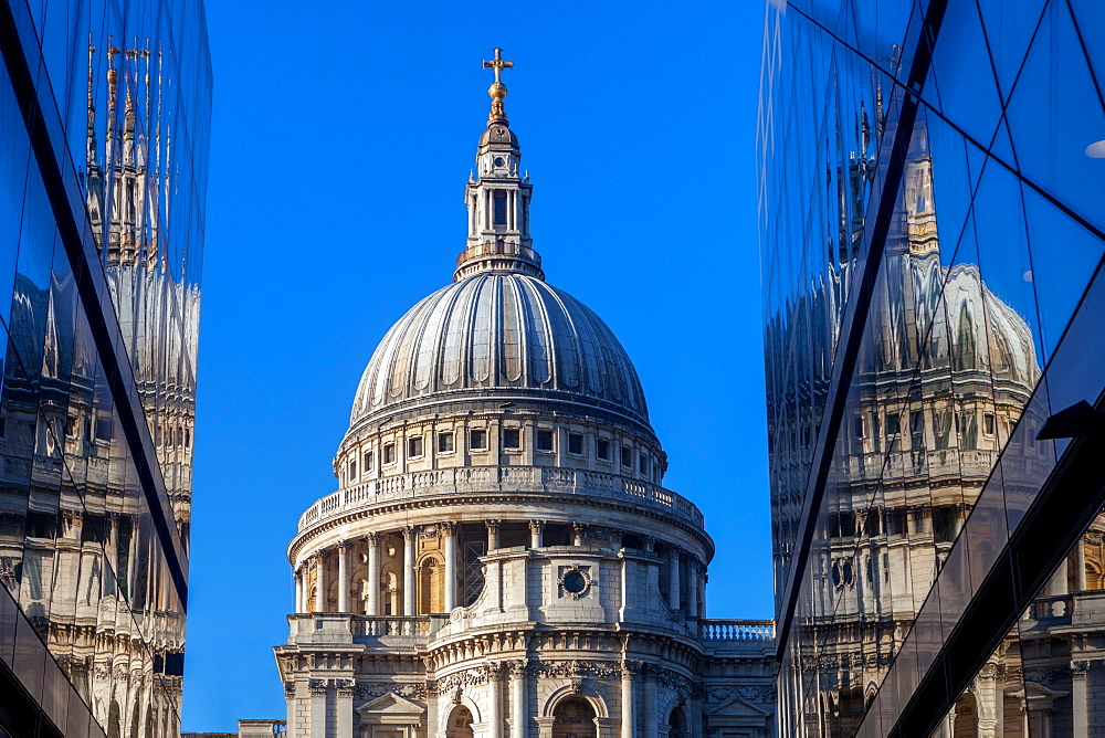 St. Paul's Cathedral viewed from One New Change in the City of London, London, England, United Kingdom, Europe - 851-622