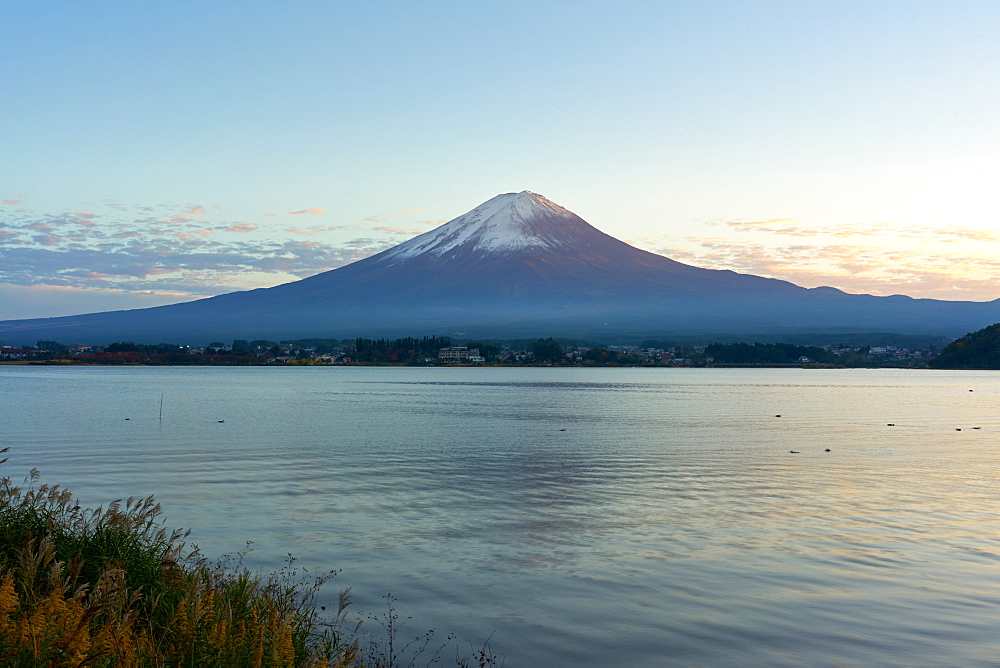 Mount Fuji, UNESCO World Heritage Site, and Lake Kawaguchiko at twilight, Yamanashi Prefecture, Honshu, Japan, Asia