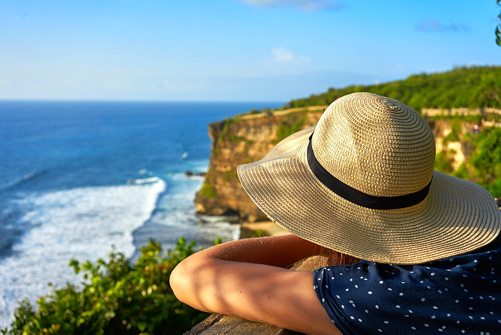Looking out at limestone cliffs and the Indian Ocean viewed from Uluwatu Temple, Pecatu, Bali, Indonesia, Southeast Asia, Asia - 851-872