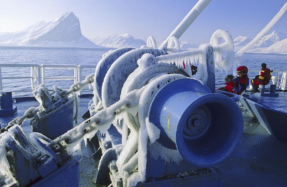 Shipsbased cruise in Hornsund. Spitsbergen  - 909-108