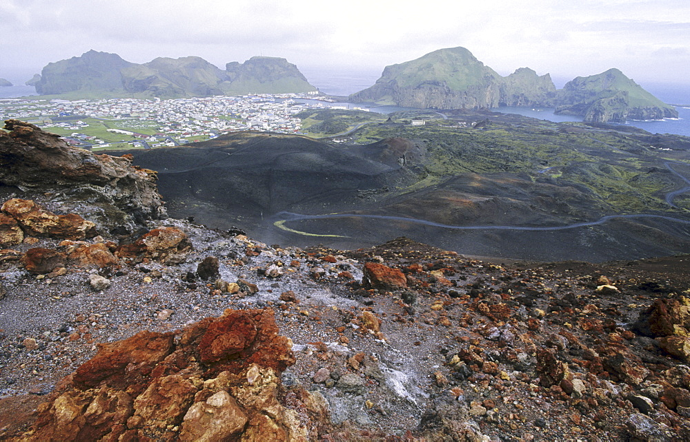 View from the Volcano Eldfell down to the settlement Heimaey. Vestmannaeyjar Islands, Southern Iceland - 909-143