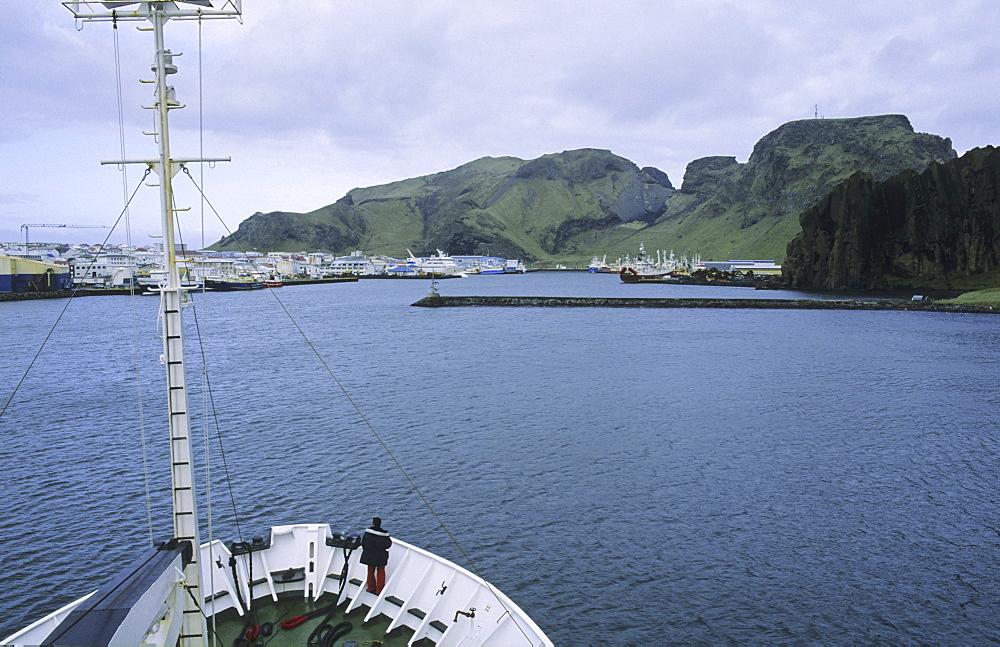 Entrance to the harbour of Heimaey. Vestmannaeyjar Islands, Southern Iceland - 909-152