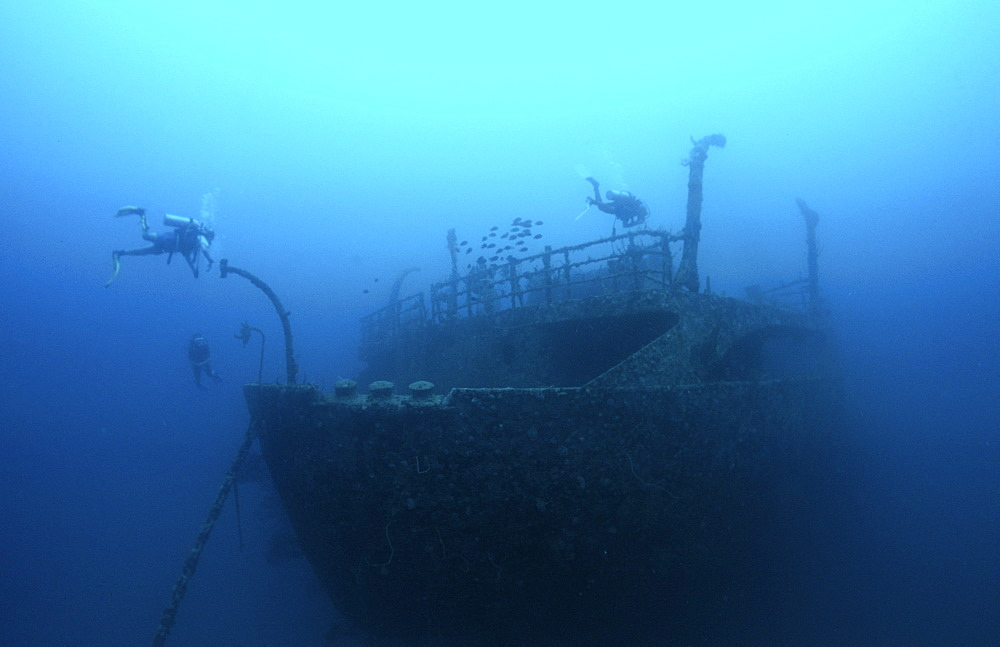 wreck diving in Barbados, Caribbean