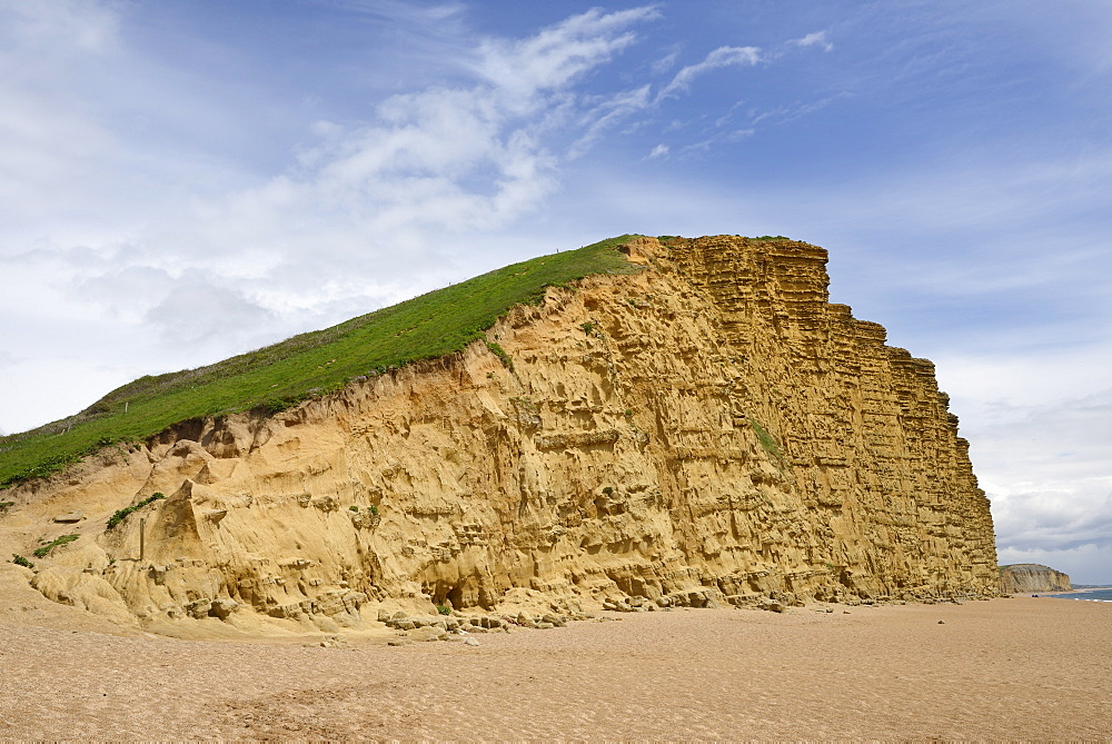 Sandstone cliffs at West Bay, Jurassic Coast, UNESCO World Heritage Site, Bridport, Dorset, England, United Kingdom, Europe - 989-330