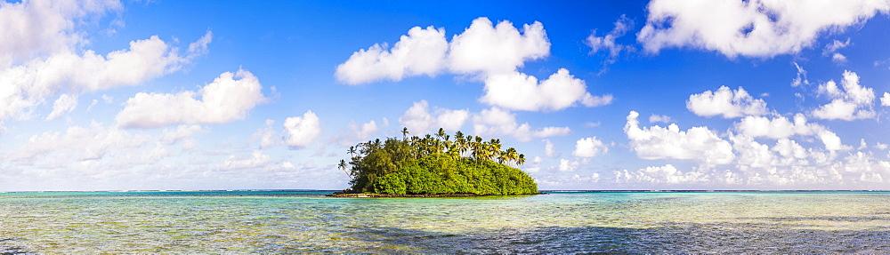 Tropical island of Motu Taakoka covered in Palm Trees in Muri Lagoon, Rarotonga, Cook Islands, South Pacific, Pacific