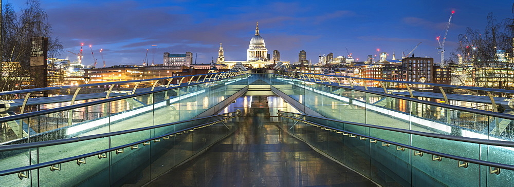 St. Pauls Cathedral at night, seen across Millennium Bridge, City of London, London, England, United Kingdom, Europe - 1109-3065