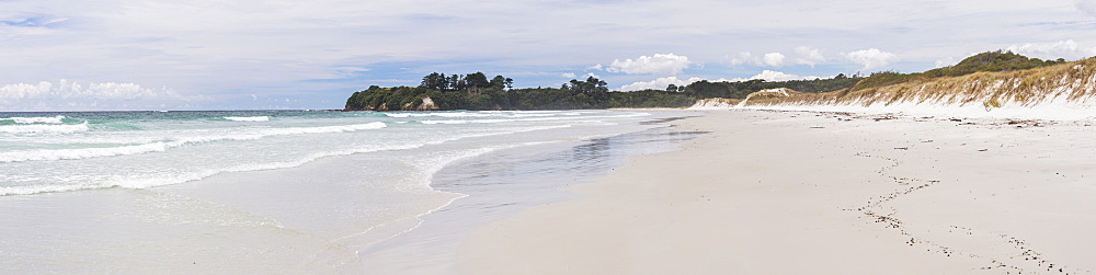 Rarawa Beach, a popular and beautiful white sand beach in Northland Region, North Island, New Zealand, Pacific