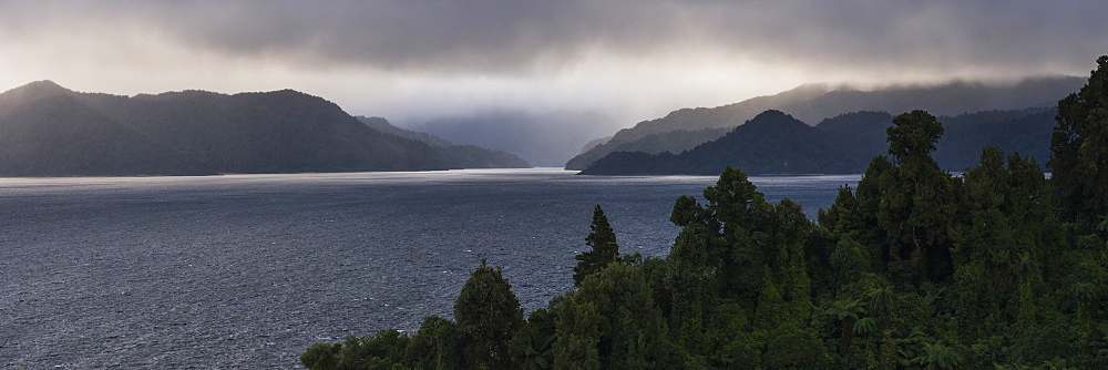 Lake Waikaremoana, Te Urewera, Eastland, North Island, New Zealand - 1109-3612