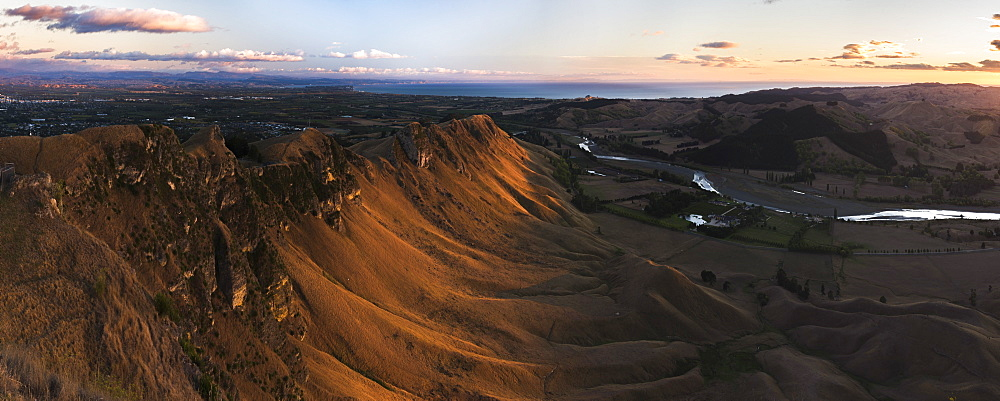 Te Mata Peak at sunrise, Hastings near Napier, Hawkes Bay Region, North Island, New Zealand - 1109-3614