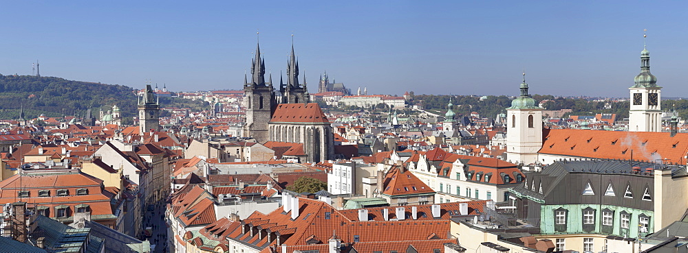 View over the Old Town (Stare Mesto) with Old Town Hall, Tyn Cathedral to Castle District with Royal Palace and St. Vitus cathedral, UNESCO World Heritage Site, Prague, Czech Republic, Europe