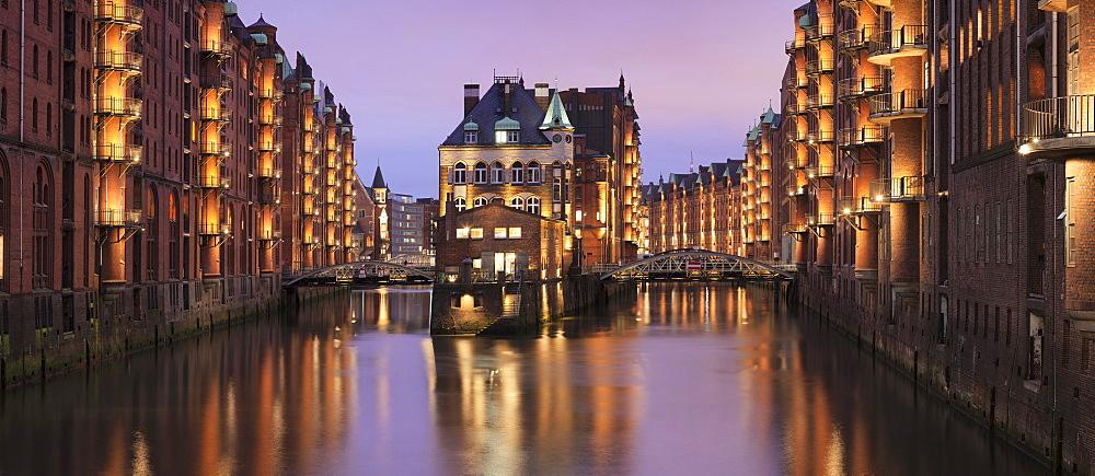 Water castle Wasserschloss, Speicherstadt, Hamburg, Hanseatic Citiy, Germany
