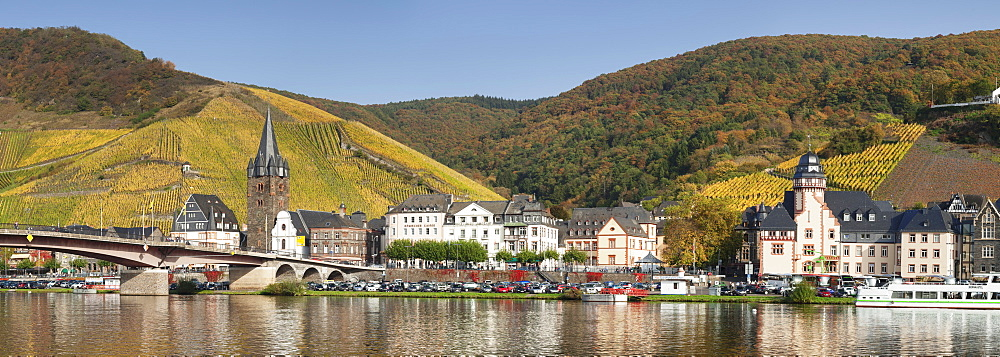 Bernkastel-Kues in autumn, Moselle valley, Rhineland-Palatinate, Germany - 1160-3796