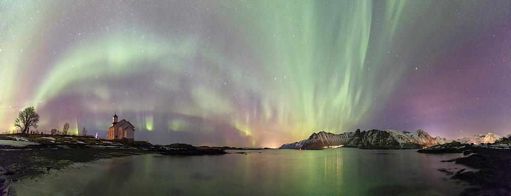 Panoramic of Northern Lights (Aurora borealis) on Gimsoy, Gimsoyand, Vagan municipality, Lofoten Islands, Nordland, Norway, Europe - 1179-3367