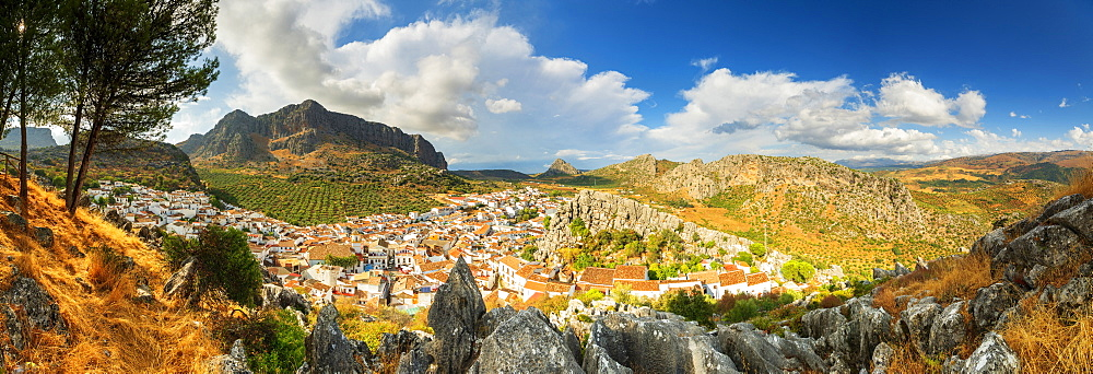 Panoramic of the white town (Pueblos Blancos) of Montejaque and mountains, Serrania de Ronda, Malaga province, Andalusia, Spain - 1179-3815