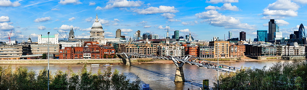 London skyline, St. Pauls and the River Thames from Tate Modern, London, England, United Kingdom, Europe