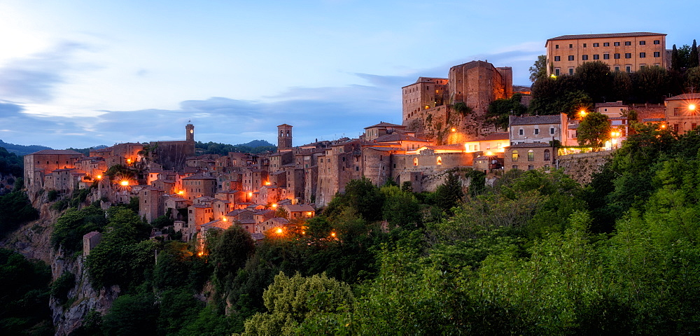 Sorano, Umbria, Italy, Europe - 1216-138