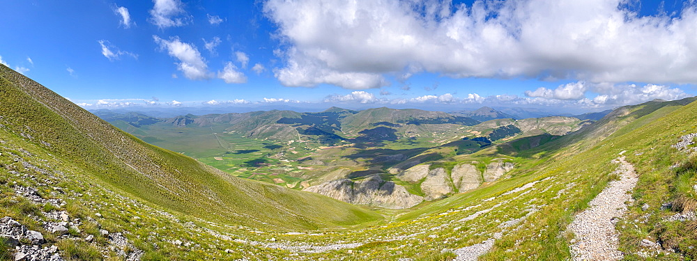 Mount Vettore in summer, Sibillini Mountains, Umbria, Italy, Europe - 1264-296