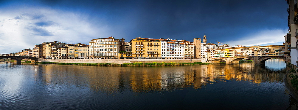 Florence panorama on the banks of the Arno river