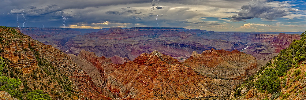 View of the Grand Canyon west of Navajo Point with a storm rolling in from the west, Arizona, United States of America, North America