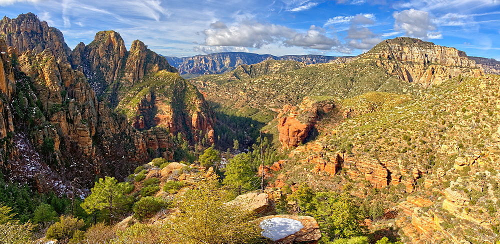 Western view of Sterling Canyon from its crest along the Sterling Pass Trail north of Sedona, Arizona, United States of America, North America - 1311-206