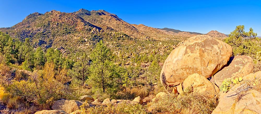 Giant boulders along Trail 345 in the Granite Mountain Recreation Area of the Prescott National Forest. - 1311-273