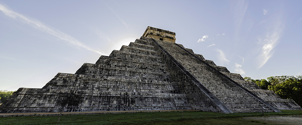 The Mayan Ruins of Chichen Itza, UNESCO World Heritage Site, Chichen Itza, Yucatan, Mexico, North America