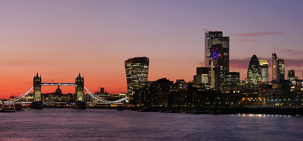 Panoramic view of Tower Bridge framing St. Paul's Cathedral with the City tower blocks at sunset, London, England, United Kingdom, Europe - 367-6263