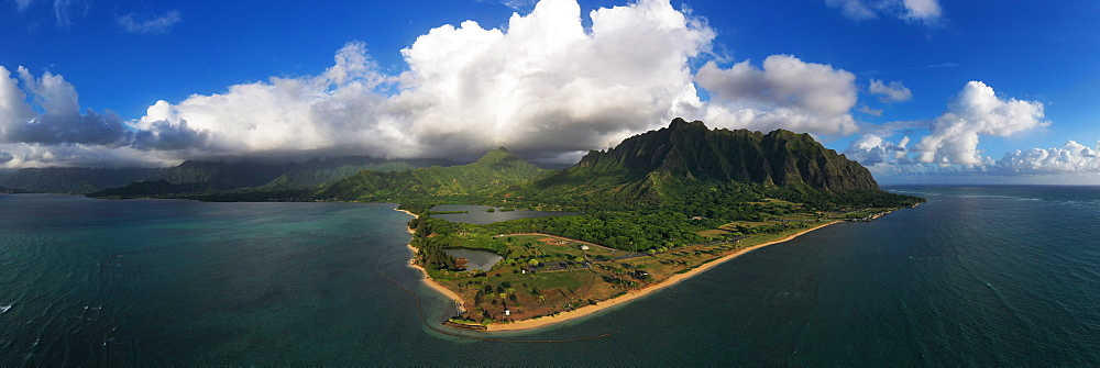 United States of America, Hawaii, Oahu island, Kaneohe Bay, aerial view (drone)