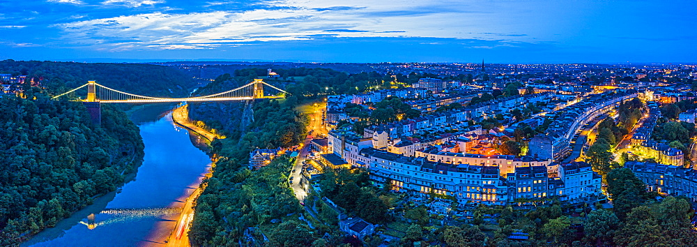 Clifton Suspension Bridge spanning the River Avon and linking Clifton and Leigh Woods, Bristol, England, United Kingdom, Europe - 794-4679