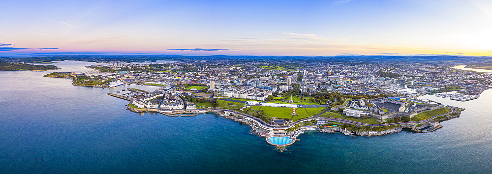 Plymouth, city skyline, Hoe Park and lighthouse, Plymouth Sound, Devon, England, United Kingdom, Europe