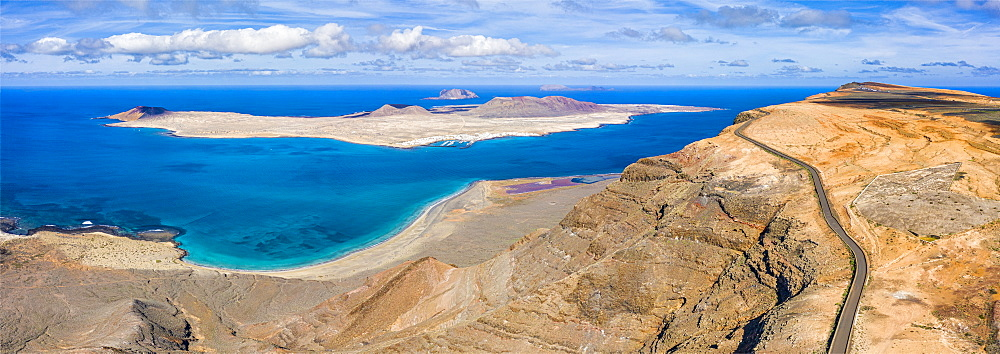 Isla Graciosa viewed from Mirador del Rio, Lanzarote, Canary Islands, Spain, Atlantic, Europe