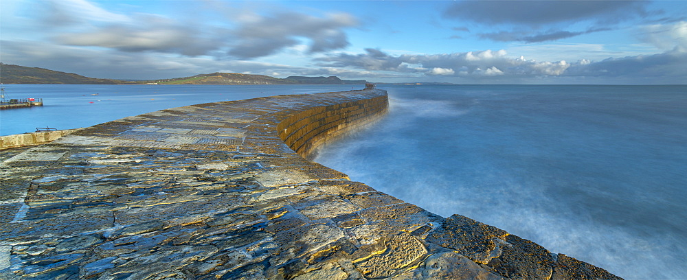 UK, England, Dorset, Lyme Regis, a Gateway Town to the UNESCO World Heritage Site of the Jurassic Coast, The Cobb Harbour Wall
